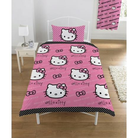 Click for larger view of Hello Kitty Duvet set Polka Dot